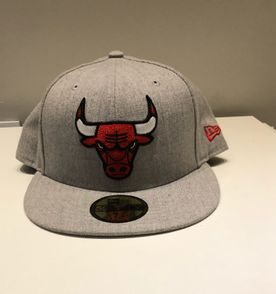 83c62ca78d3c1 Bone Chicago Bulls - Encontre mais belezas mil no site  enjoei.com ...