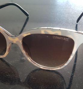 2912e4a667531 Óculos de Sol Lindo   Óculos Feminino Tiffany   Co Usado 29740322 ...