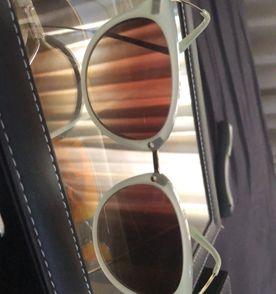 Oculos De Sol Para Bebe - Encontre mais belezas mil no site  enjoei ... c5f6b5dca7