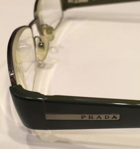 d66dee41e6911 Oculos Prada Metal - Encontre mais belezas mil no site  enjoei.com ...