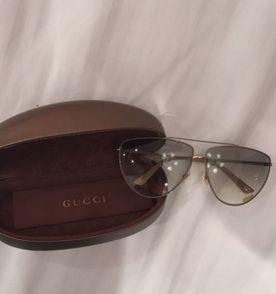 Maravilhoso Óculos Gucci Completo   Óculos Feminino Gucci Usado ... 4443ca9652