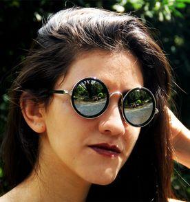 4a9090e7364c0 Oculos Lennon Ozzy - Encontre mais belezas mil no site  enjoei.com ...