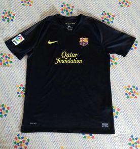 Camisa Barcelona - Encontre mais belezas mil no site  enjoei.com.br ... 40784e857b4bc