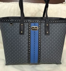 39ad30139f0e7 Bolsa Azul Victor Hugo - Encontre mais belezas mil no site  enjoei ...