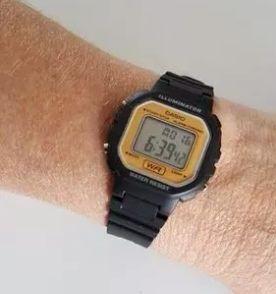 b27ce0632e8 relógio feminino casio retrô esportivo original novo preto digital pequeno