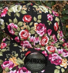 Boné Aba Reta Preto Estampado Floral  0c0a8ecd324