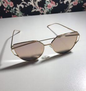 Oculos De Sol Para Bebe - Encontre mais belezas mil no site  enjoei ... 2c3be4a3db