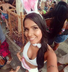 Fantasia De Coelhinha Encontre Mais Belezas Mil No Site Enjoei