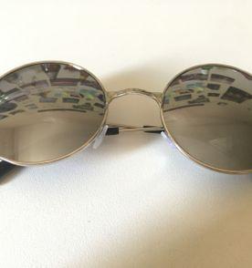 fcf30c4bd4bad Oculos Estilo Ozzy - Encontre mais belezas mil no site  enjoei.com ...