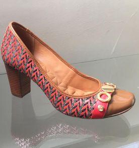 d9f890bb4a Sapato Jorge Bischoff Scarpin Zebra - Encontre mais belezas mil no ...
