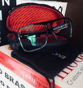 Oculos Evoke 09 - Encontre mais belezas mil no site  enjoei.com.br ... 249656141f