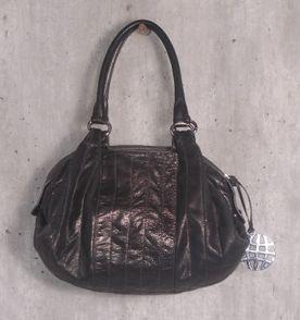5a87f214b99 Bolsa De Couro Metalizada - Encontre mais belezas mil no site ...
