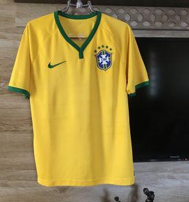 Camiseta Selecao Brasileira - Encontre mais belezas mil no site ... 397e0d620fba0