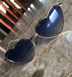bfc2d39ae0456 Oculos Coracao Azul - Encontre mais belezas mil no site  enjoei.com ...