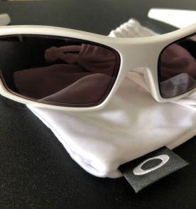 Oculos De Grau Oakley - Encontre mais belezas mil no site  enjoei ... f3311cd3a6