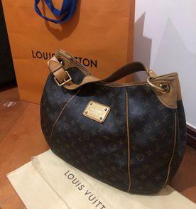 Louis Vuitton Bolsa de Ombro Feminina 2019 Nova ou Usada  d893c8453a20