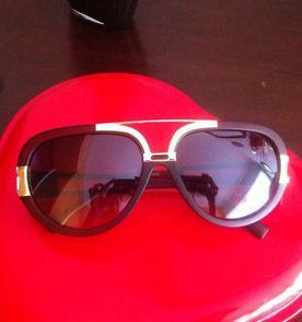 Oculos Surf - Encontre mais belezas mil no site  enjoei.com.br   enjoei 74ff67308a