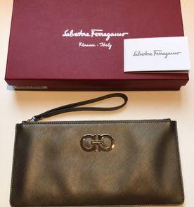 94324f8d50a6e bolsa tipo carteira salvatore ferragamo original em couro nunca usada