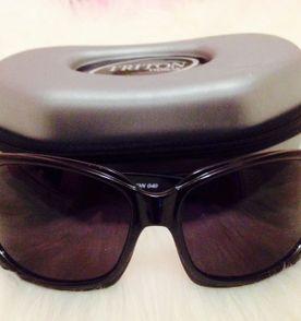 d8f024538be24 Óculos TRITON lindo totalmente novo, nas embalagens