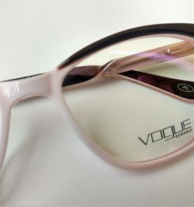 7184b8128b3cc Oculos De Grau Vogue - Encontre mais belezas mil no site  enjoei.com ...