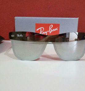 Oculos Preto E Prata - Encontre mais belezas mil no site  enjoei.com ... 94dd9449a0