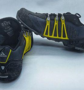 Adidas Aranha - Encontre mais belezas mil no site  enjoei.com.br ... 0ffd5aaa8d56e