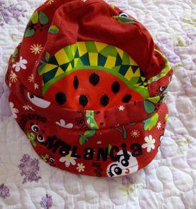 Boina Vermelha - Encontre mais belezas mil no site  enjoei.com.br ... d24e0f6f078