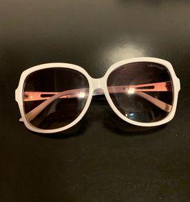 Oculos Eu Sou - Encontre mais belezas mil no site  enjoei.com.br ... 144a51a4a8