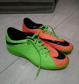 131906acd6 Chuteiras Nike 41 - Encontre mais belezas mil no site  enjoei.com.br ...