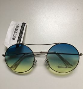652d2bb30659b Hippie Oculos - Encontre mais belezas mil no site  enjoei.com.br ...