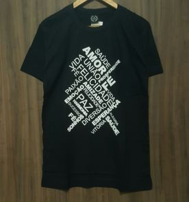 Camisetas De Fe - Encontre mais belezas mil no site  enjoei.com.br ... 0f12b55457b
