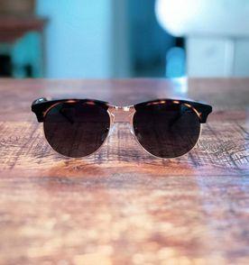6ec0d22153092 Oculos Aro Tartaruga - Encontre mais belezas mil no site  enjoei.com ...
