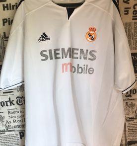 Camiseta Futebol - Encontre mais belezas mil no site  enjoei.com.br ... 7c527fb5d5764