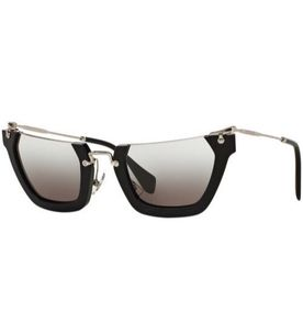 Oculos Miu Miu Tartaruga - Encontre mais belezas mil no site  enjoei ... 972fbde674
