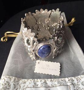 bracelete pulseira camila klein coruja prateado com pedra azul e cristais  swarovski 2e661f8709