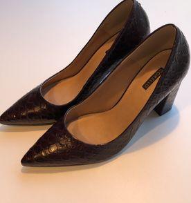 Sapato Piton - Encontre mais belezas mil no site  enjoei.com.br   enjoei d809301e0e