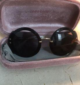 Oculos Miumiu - Encontre mais belezas mil no site  enjoei.com.br ... 702e3939e2