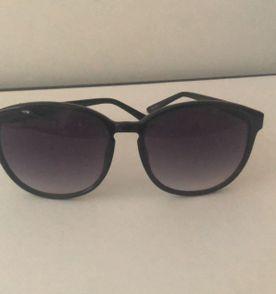 5d96b56ccce10 Oculos Duas Lentes - Encontre mais belezas mil no site  enjoei.com ...