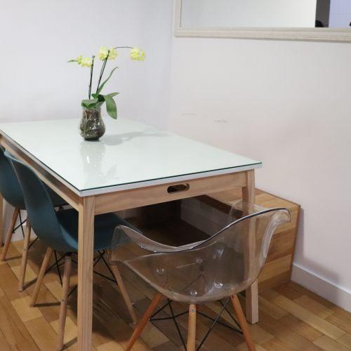 mesa lindissima em madeira pinus tock amp stock com banco e cadeiras 45532000