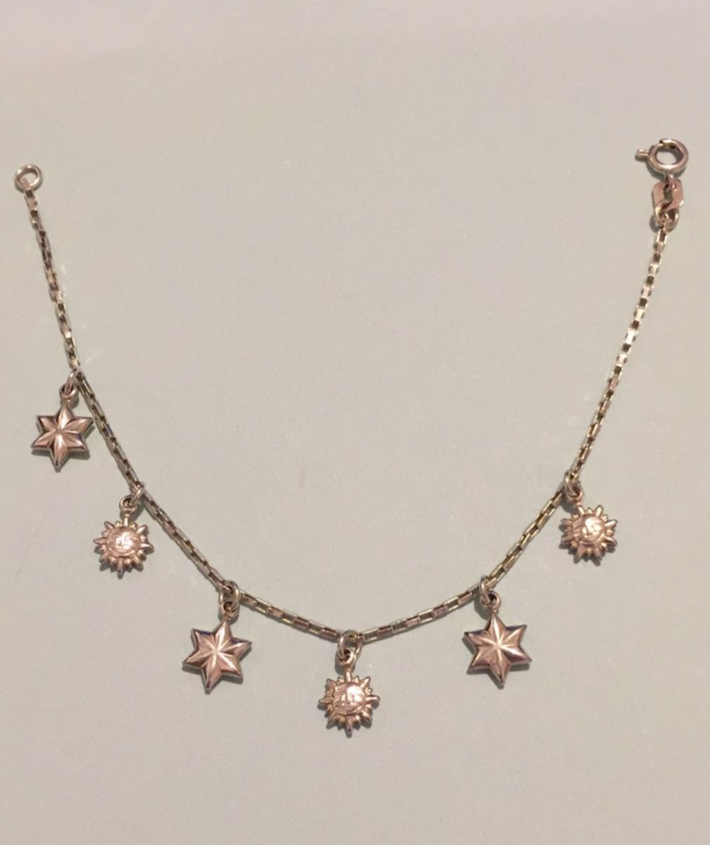 60538abd1 pulseira com pingentes de prata - jóias prata-fina.  Czm6ly9wag90b3muzw5qb2vplmnvbs5ici9wcm9kdwn0cy8xnzexotyvogu0mjlhnwqwn2vkmgrlzdbimjm5otkzogzmnmqxztmuanbn