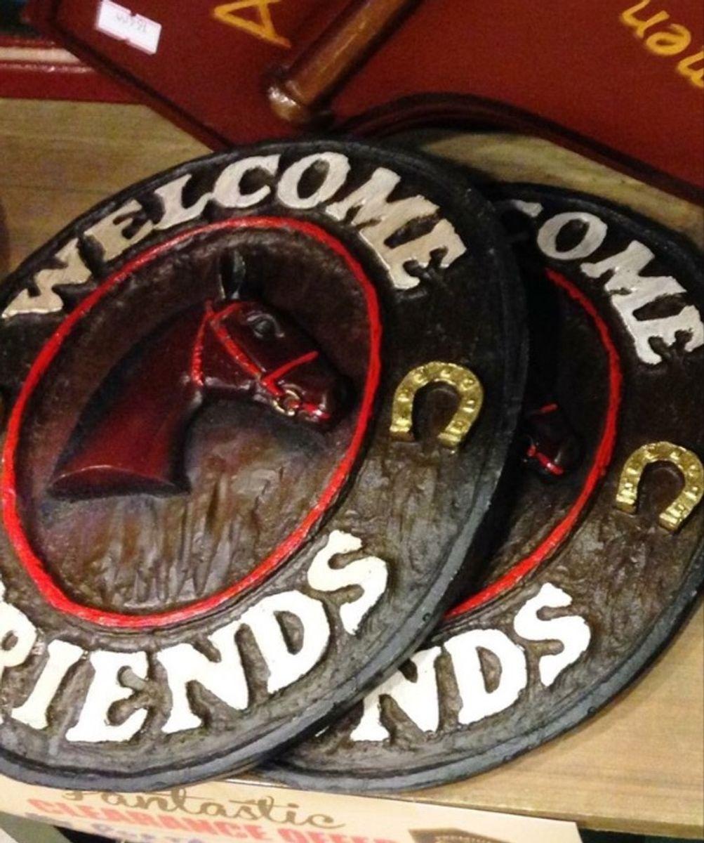 dia dos pais! quadro em resina welcome friends horse, dia dos pais. - decoração sem marca