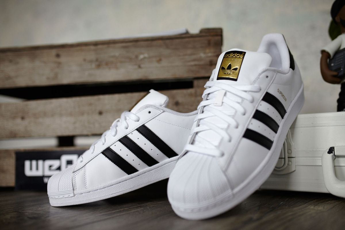 ada33c6b17 queridinho adidas superstar 34 e 35 - tênis adidas.  Czm6ly9wag90b3muzw5qb2vplmnvbs5ici9wcm9kdwn0cy81ntmzmc81mju0yjy5odewn2vjmgfjywzlnzdhnwu2zmq4ogrjni5qcgc