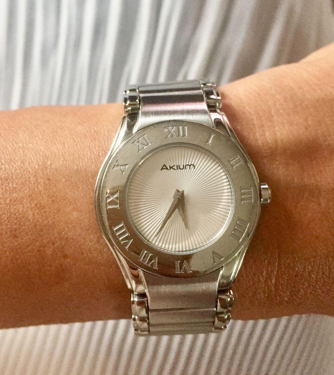 ac8de25816d relógio akium - relógios vivara.  Czm6ly9wag90b3muzw5qb2vplmnvbs5ici9wcm9kdwn0cy85nzk5otmvnwexmdg3zgi5zwyymdhmogfmzmq2mzmzywu5ytu0mmyuanbn  ...