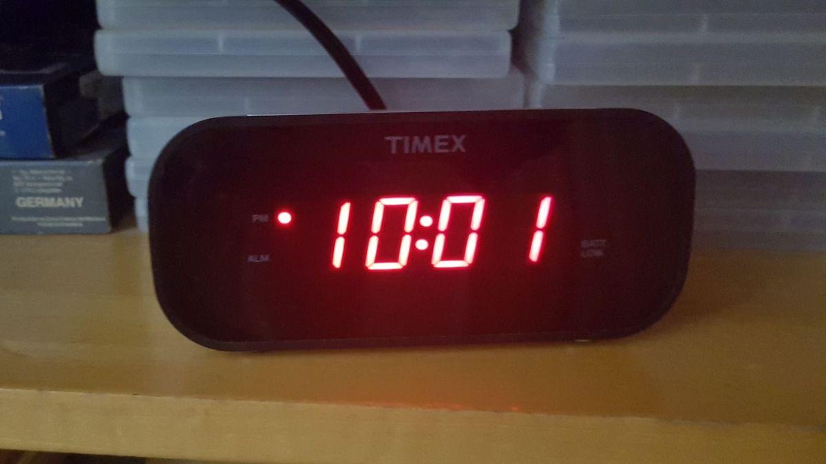 98349afee1ce relógio despertador timex - relógios timex.  Czm6ly9wag90b3muzw5qb2vplmnvbs5ici9wcm9kdwn0cy81mjuzodq3lzc4zdnkownim2qzzwuxogzkmdc5ntvimddlnzzlmzg3lmpwzw