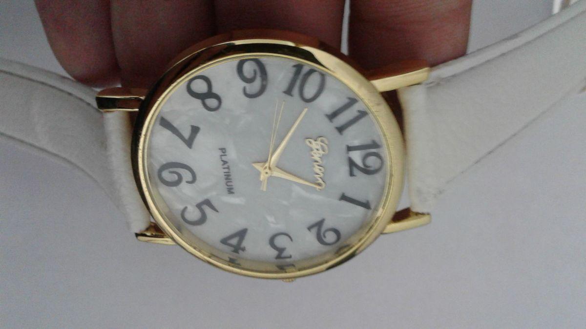 14bc6bbb0fa Relógio feminino branco dourado e preto simples importado relógios sem marca  jpg 1200x675 Relogio feminino preto