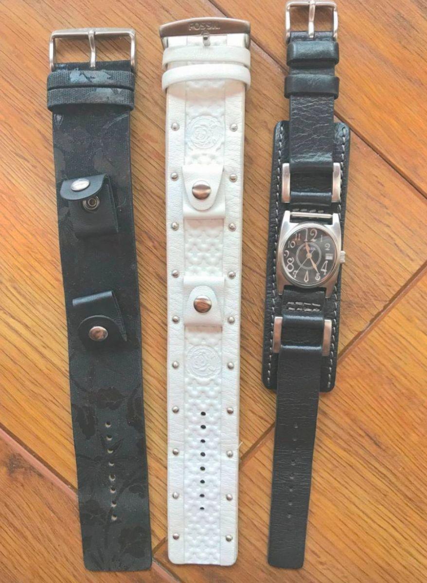 8236baaba57 relógio fossil com 3 pulseiras - relógios fossil.  Czm6ly9wag90b3muzw5qb2vplmnvbs5ici9wcm9kdwn0cy84ndy1mdy5l2yxyza0zjhjnjq4zdhmodm4zgq0mwy4zjewmmflnmmylmpwzw  ...
