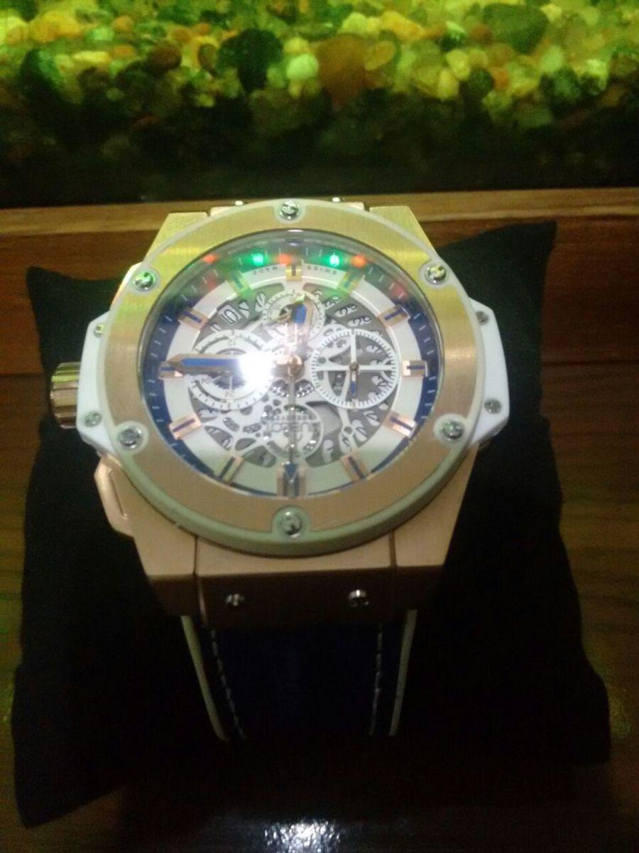 24d62b12f17 relógio hublot geneve miami - relógios hublot.  Czm6ly9wag90b3muzw5qb2vplmnvbs5ici9wcm9kdwn0cy82mdm2mtu4lzm3mtkzmte3nmm5mgzlowjlnte0mgjimdgznji5njvilmpwzw  ...