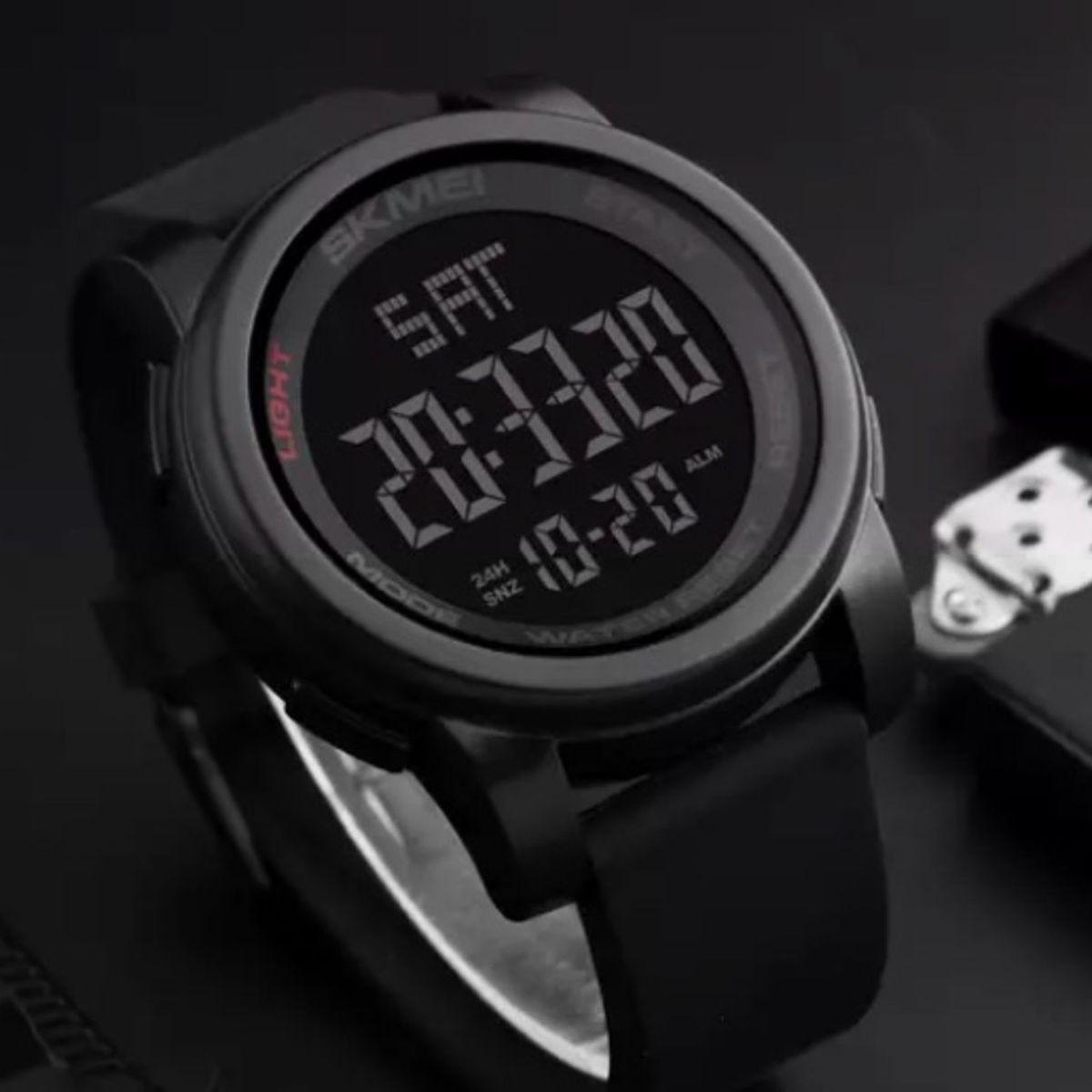 bf3e1021716 Relógio Masculino Preto com Visor Verde cinza Esportivo