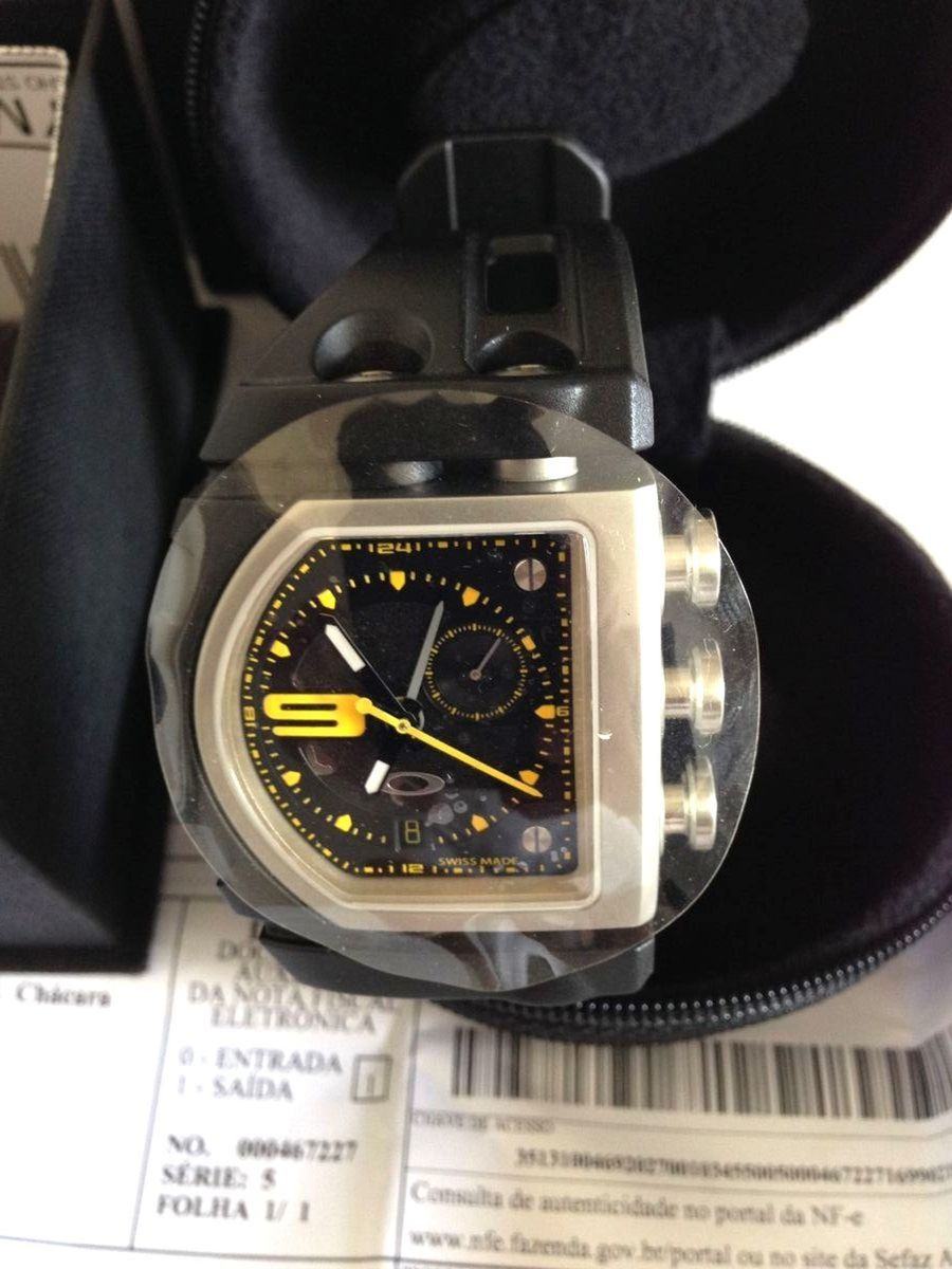 relógio relogio oakley fuse box   relógio masculino oakley nunca usado  661225   enjoei  enjoei