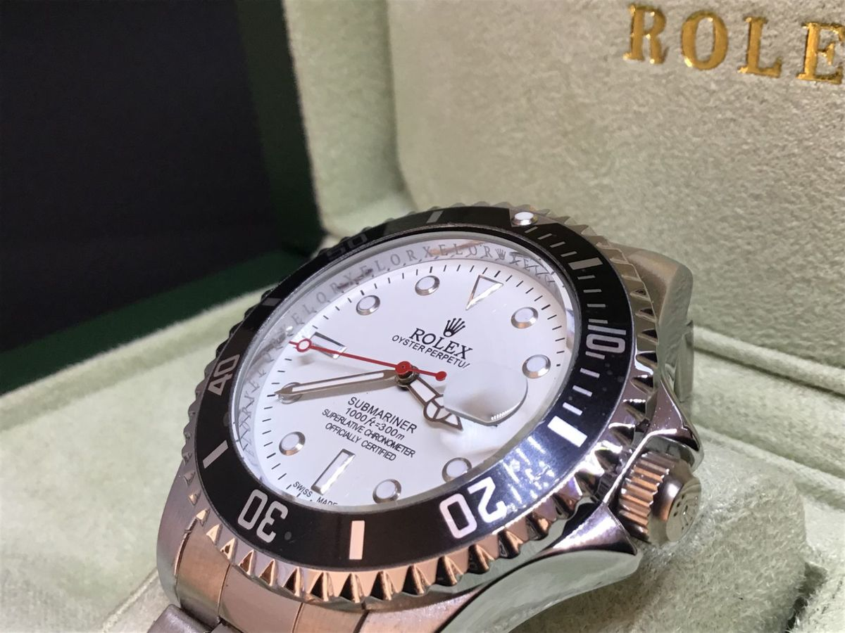 ef8bc33e761 Relógio Rolex Coleto em Detalhes Branco   Prata